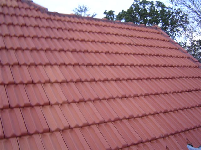roof-cleaning-pressure-clean